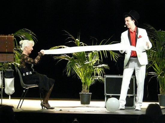 spectacle maisons de retraite magie